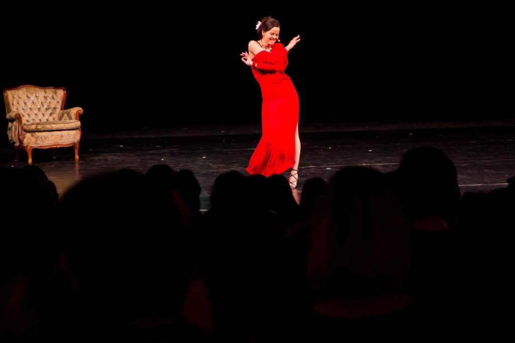 Lilia Khousnoutdinová a moudost ženského těla na Ženy ženám živě 2014